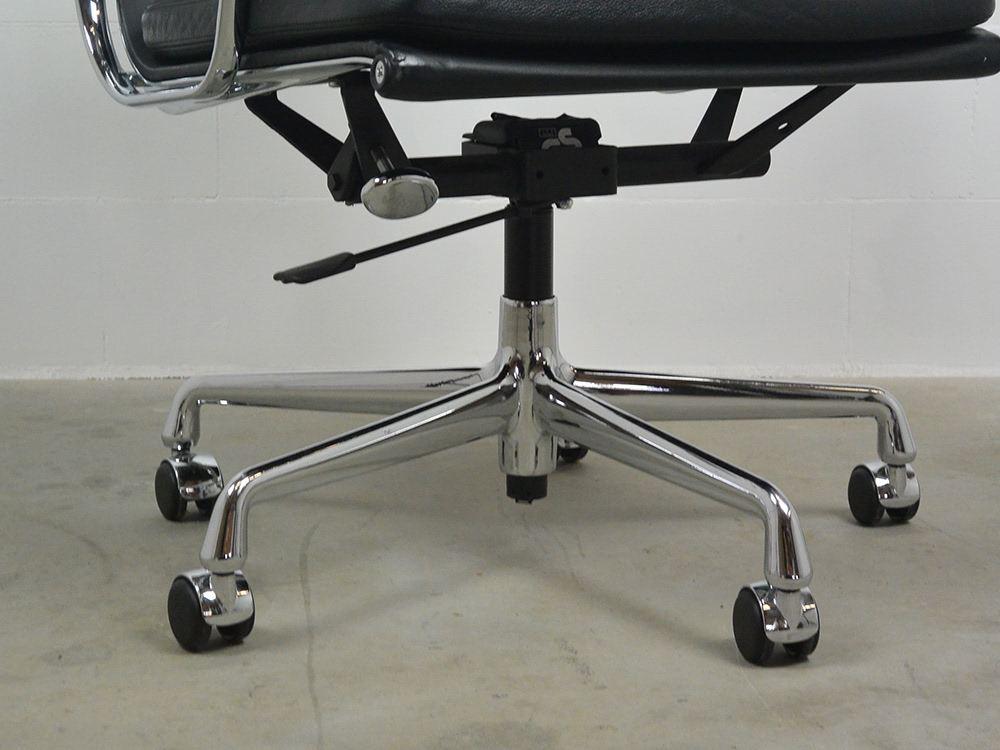 Bureaustoel Charles Eames.Ea 217 Softpad Chair Vitra Charles Eames Ideo Design