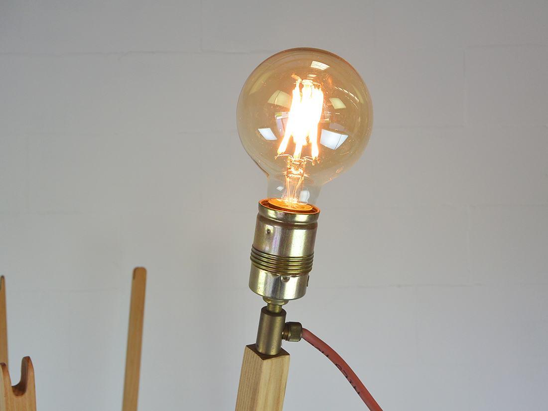 Pin Coat kapstok met lamp Nils Holger Moormann 5