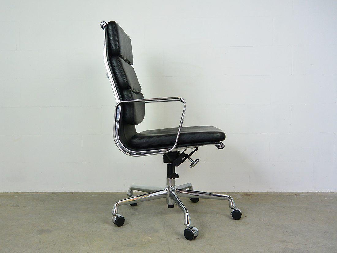 Eames EA 219 zwart 2