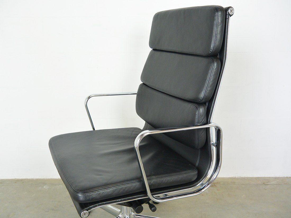 Eames EA 219 zwart 6