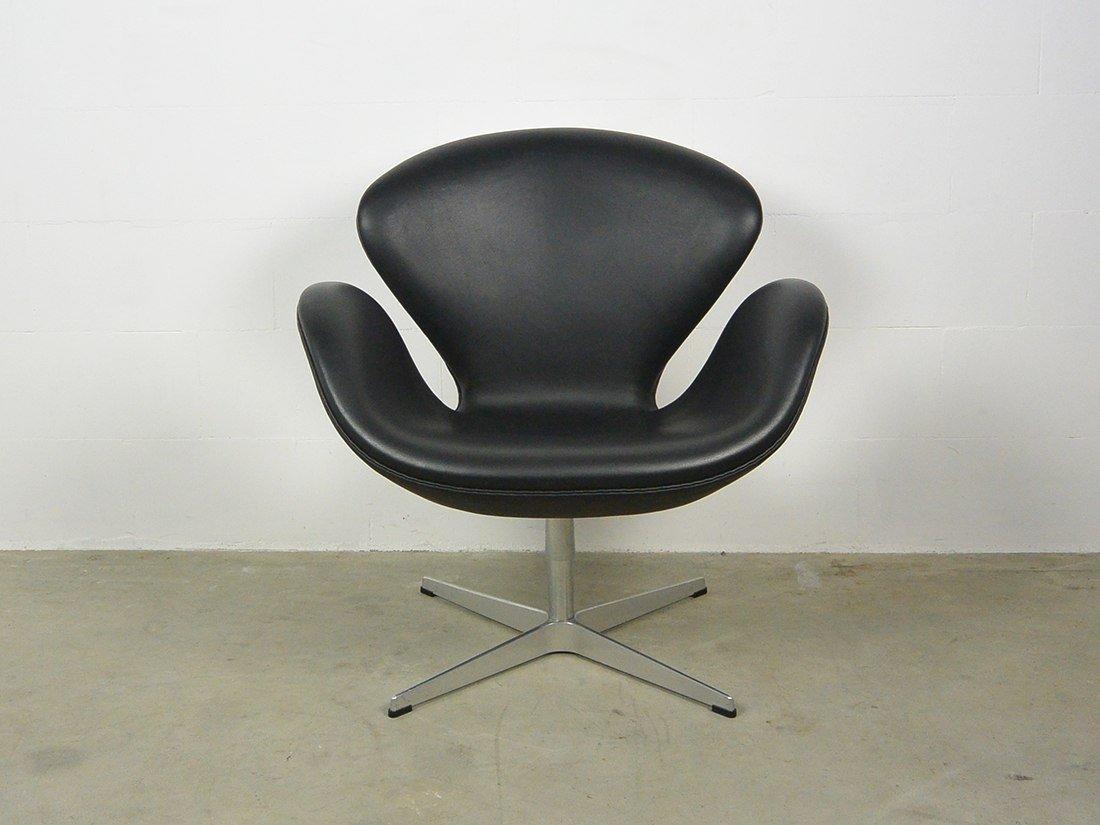 arne jacobsen swan chair fritz hansen 1