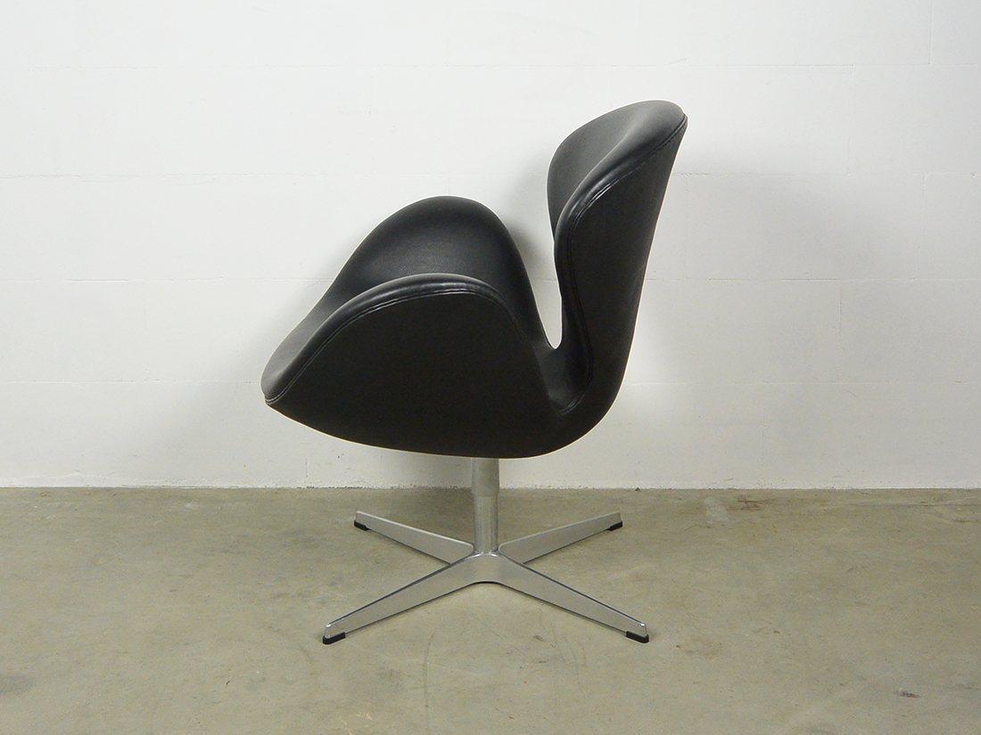 arne jacobsen swan chair fritz hansen 2