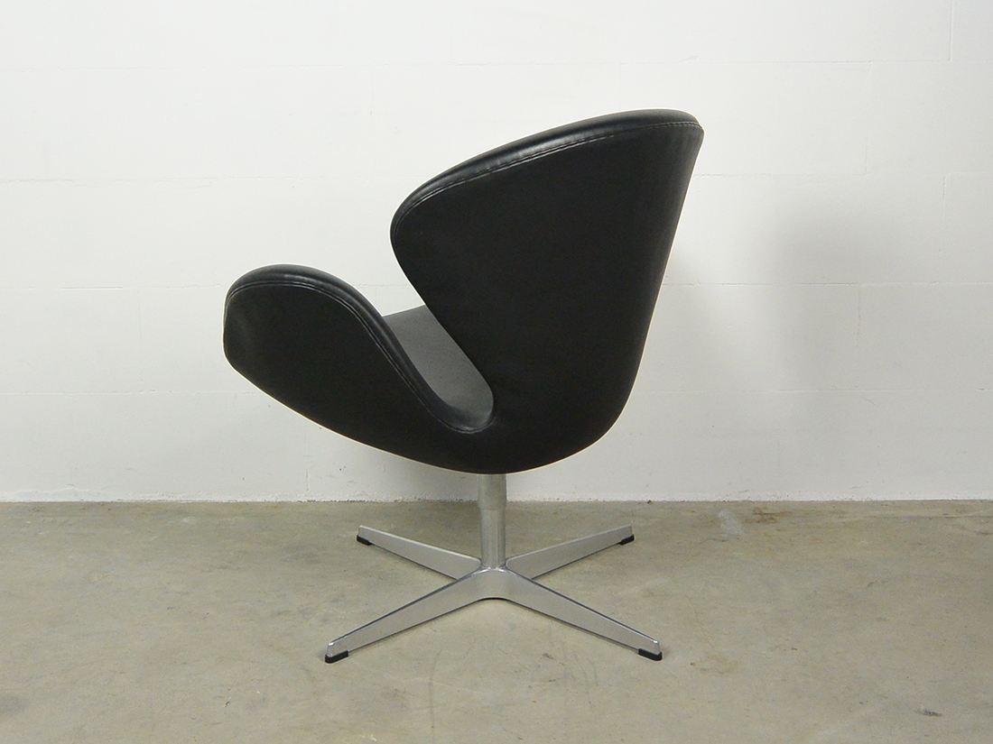 arne jacobsen swan chair fritz hansen 3